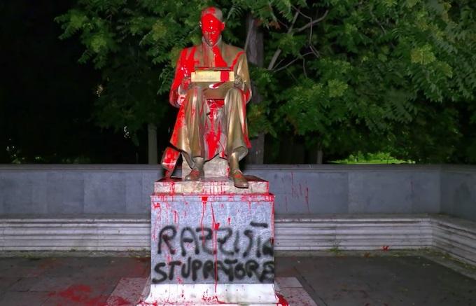 Il nuovo trend post COVID-19 la demolizione delle statue